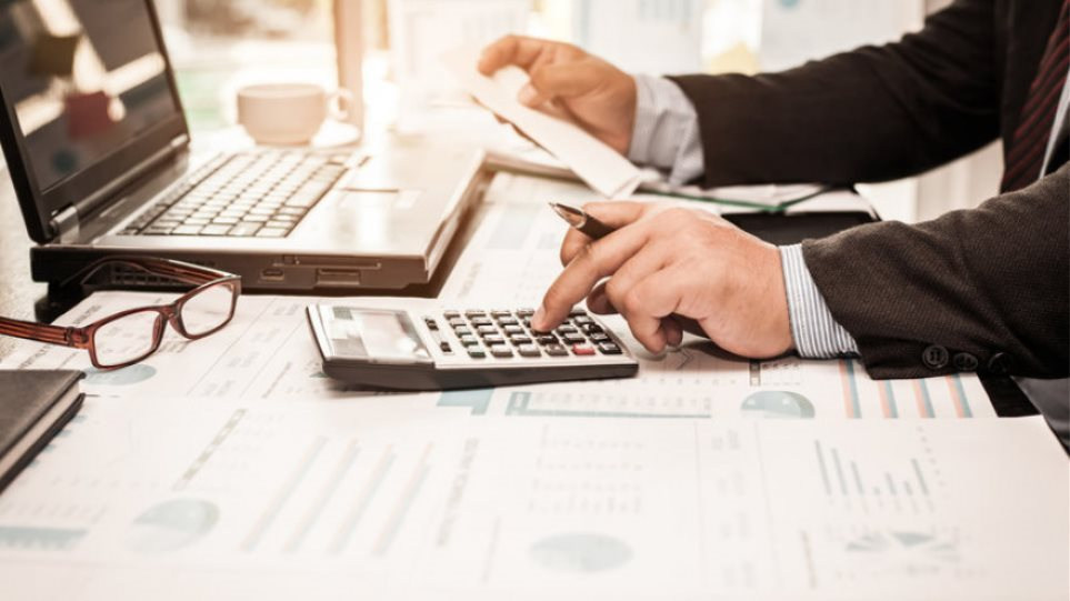 e-ΕΦΚΑ: Ο τιμοκατάλογος για δικηγόρους - λογιστές που θα εκδίδουν συντάξεις