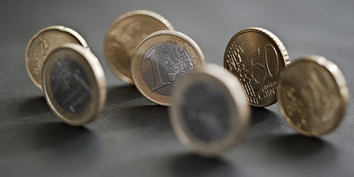 Κομισιόν: 20 δισ. ευρώ συγκέντρωσε το 10ετές ευρωομόλογο