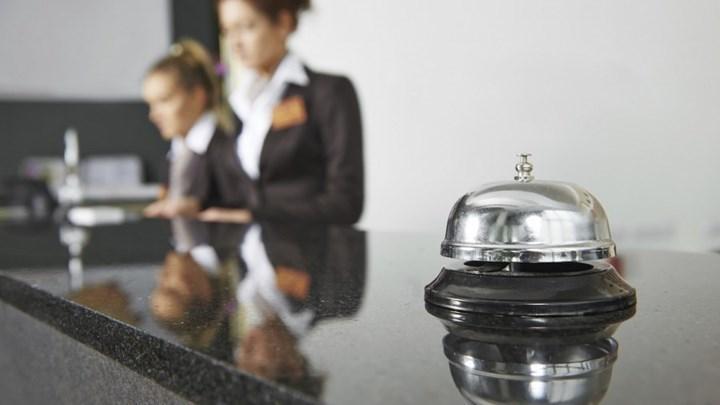 Μ. Θεμιστοκλέους: Κινητά συνεργεία εμβολιασμού και σε ξενοδοχειακές μονάδες