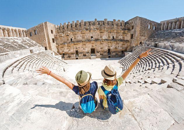 Τουρισμός- έρευνα: «Υποφέρει» η Ιταλία, «αντέχουν», Ελλάδα, Ισπανία, Γαλλία