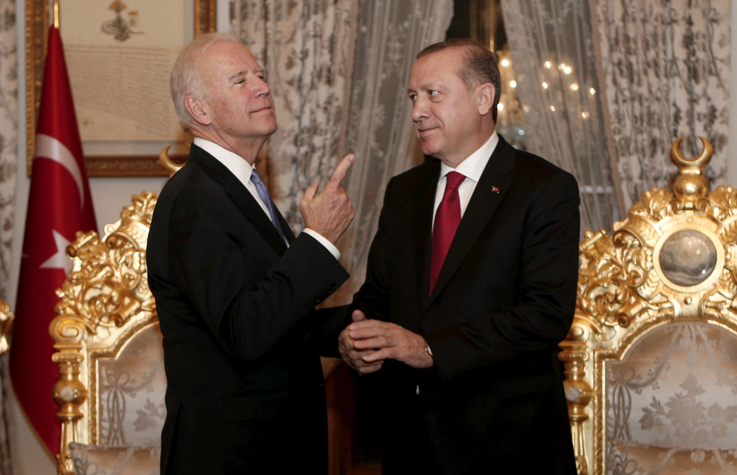 Ερντογάν στον Μπάιντεν: «Δεν υπάρχουν προβλήματα μεταξύ μας που δεν είναι λύνονται»