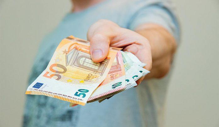Έρευνα ΕΚΤ: Το χρήμα δεν σε κολλάει κορονοϊό…