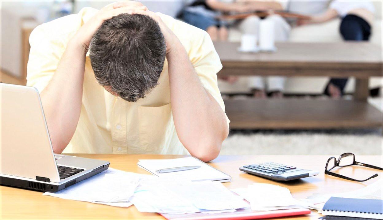 ΤτΕ: «Κλειστή η στρόφιγγα» των τραπεζών για δάνεια σε επιχειρήσεις και νοικοκυριά το 8άμηνο